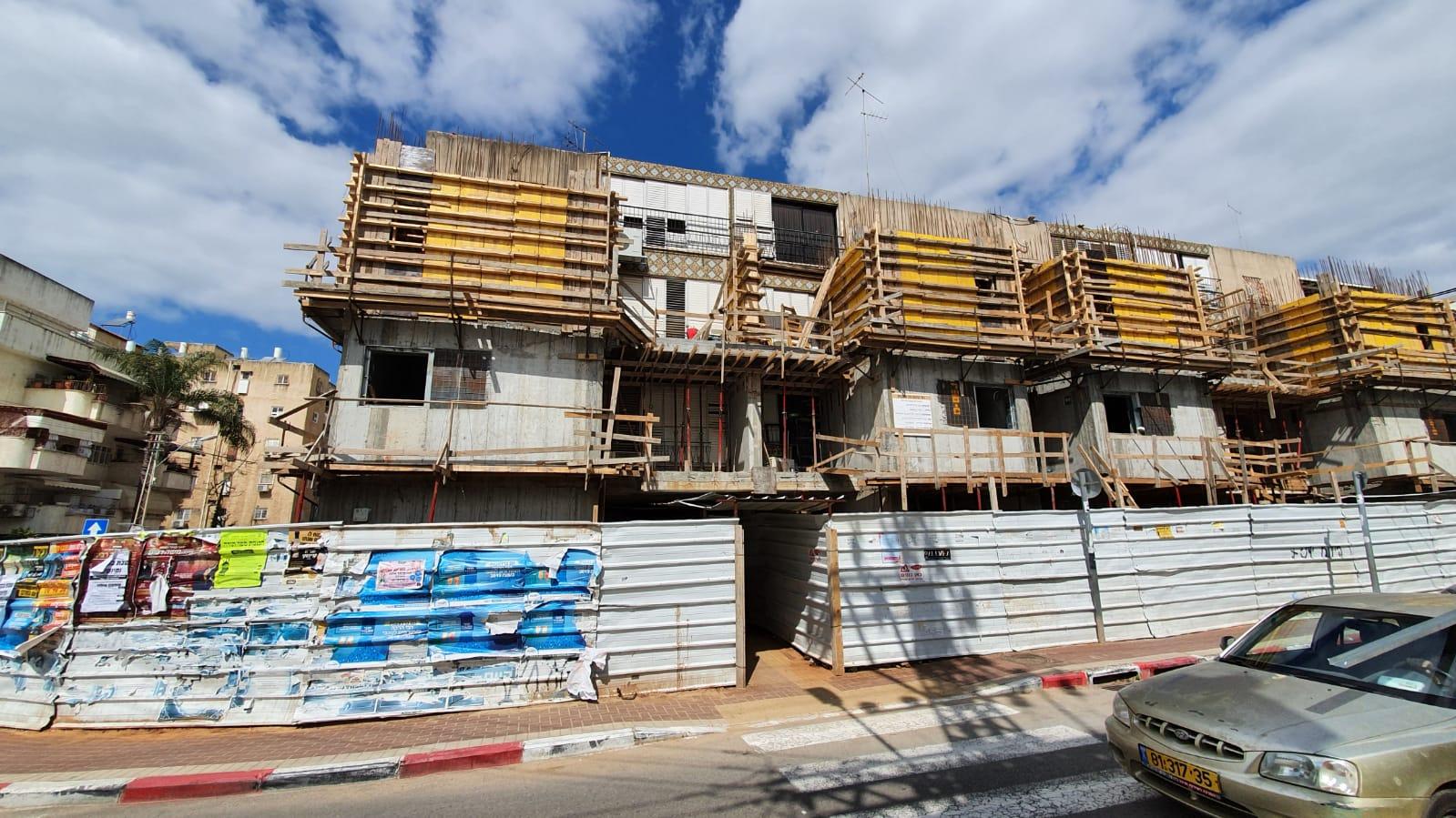 """תמונה של בניין רחובות - מרכז העיר נדל""""ן"""